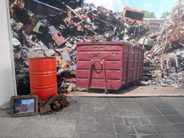 """Exhibition """"AUS ALT MACH NEU"""" – Recycling Art"""